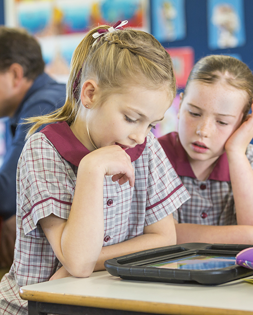 Students using ipad